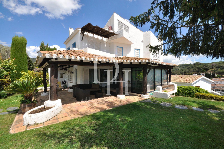 Дома в барселоне купить купить недвижимостт в португалии