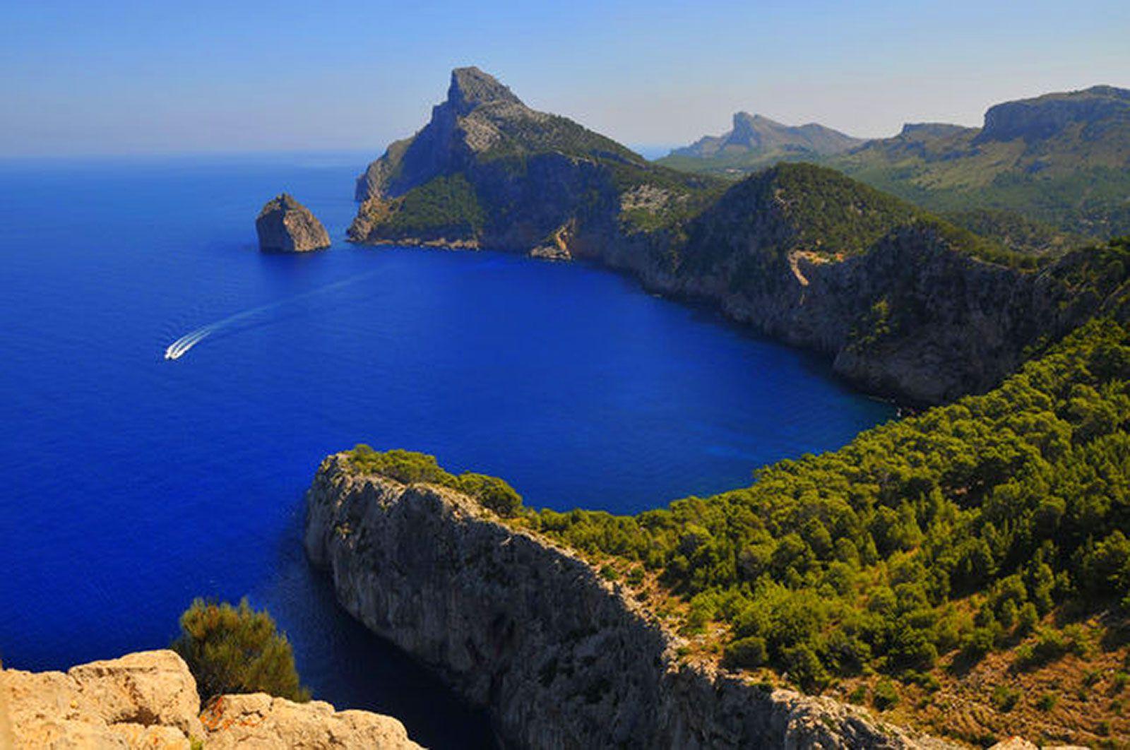 Купить остров в испании цены сауна дубай