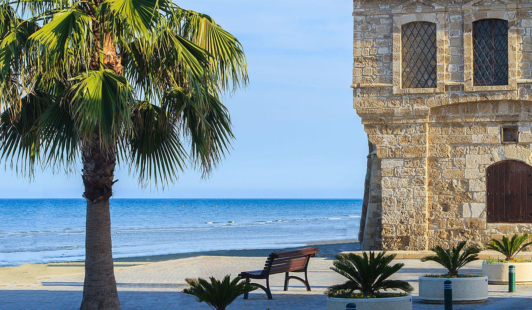 Кипр ларнака недвижимость особняк в испании купить