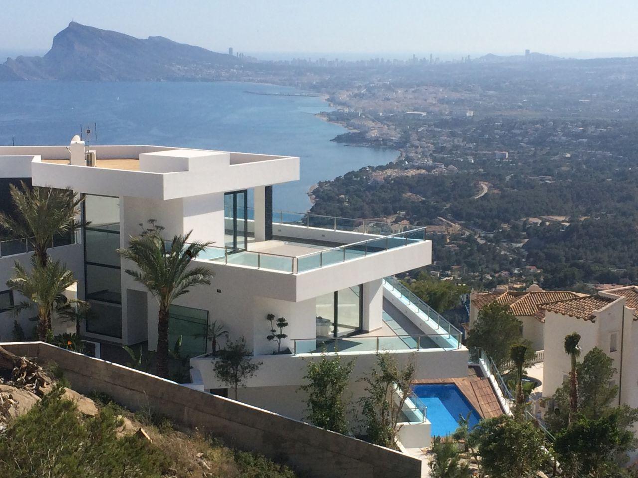 Дома в испании на берегу моря картинки
