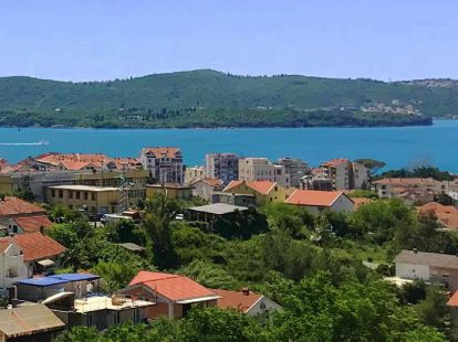 Villa Tivat, 2 bedrooms, пл.: 101м2, to the sea/ocean/bay, 500m to sea, terrace, airconditioner, secondary market
